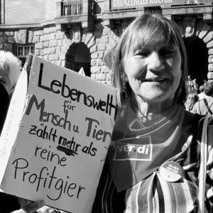 Edith Heller (67)