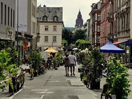 Grünachse zum Anfassen: Kundgebung in der Neubrunnenstraße
